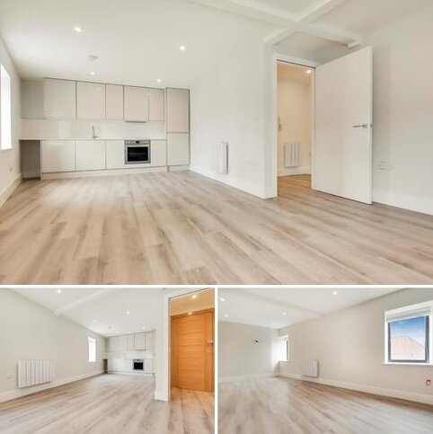 2 bedroom flat to rent - Pier Road, London, E16 2JJ
