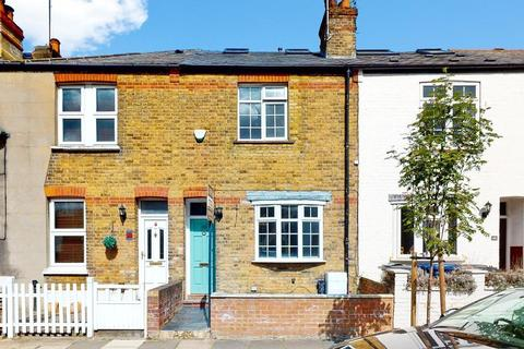 3 bedroom terraced house to rent - Ridley Avenue, Ealing, London, W13 9XW