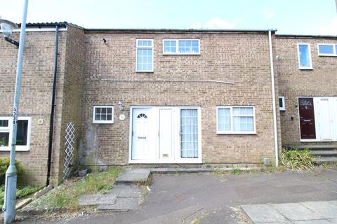 3 bedroom terraced house for sale - Three Bedroom Terraced on Petersfield Gardens, Luton