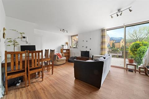 2 bedroom apartment for sale - China Court, Asher Way, London, E1W