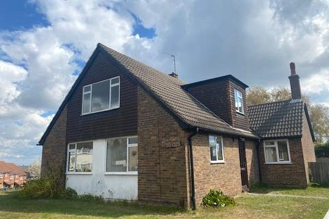 5 bedroom detached house to rent - Rushet Road, Orpington, Kent, BR5