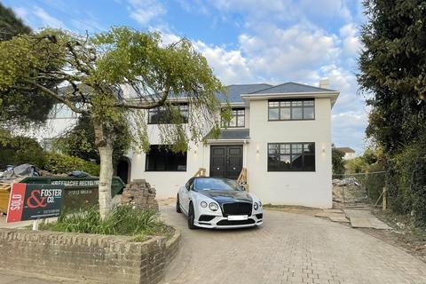 4 bedroom detached house for sale - Woodland Drive, Hove