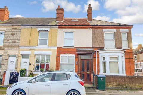 Studio to rent - Top Floor Flat, Ribble Road, Stoke, Coventry, CV3 1AU