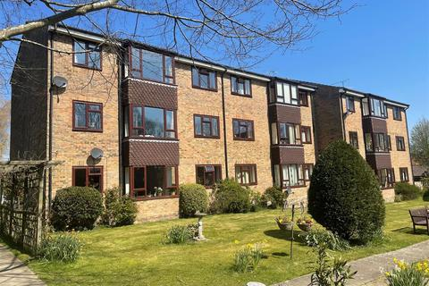 2 bedroom flat for sale - Kelsey Court, Burgess Hill