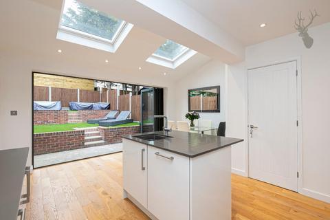 3 bedroom house for sale - Connington Crescent, London