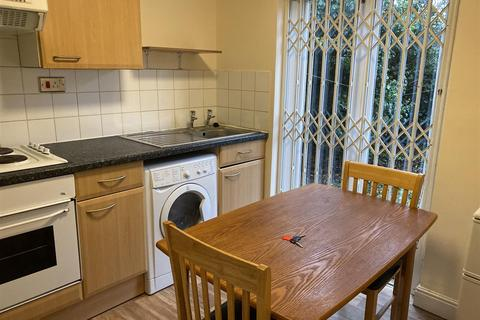 Studio to rent - Off London Road, Evington Road, Leicester