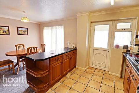 3 bedroom semi-detached house for sale - Harrowby Lane, Grantham