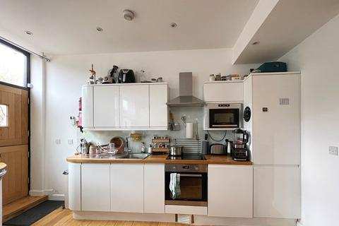 2 bedroom terraced house to rent - Stepney Causeway, London, Greater London. E1