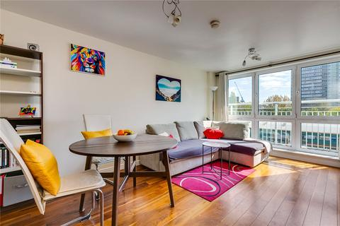 1 bedroom flat for sale - Oyster Wharf, 18 Lombard Road