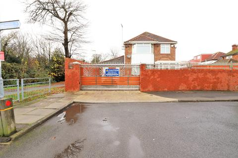 3 bedroom detached house for sale - Bedwell Gardens, Hayes, Greater London, ub3