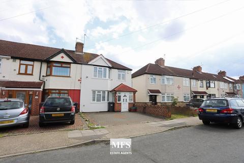 3 bedroom house for sale - Waye Avenue, Hounslow, TW5