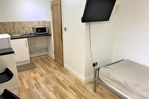 Studio to rent - YORK PLACE, ILFORD IG1