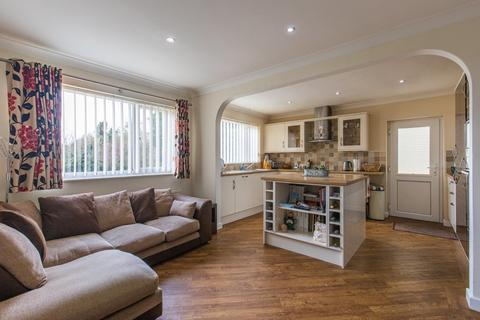 4 bedroom detached bungalow for sale - South Wootton