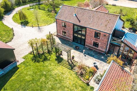 4 bedroom barn conversion for sale - Badley Moor
