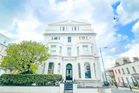 2 bedroom apartment for sale - Campden Hill Gardens, Kensington, London, W8
