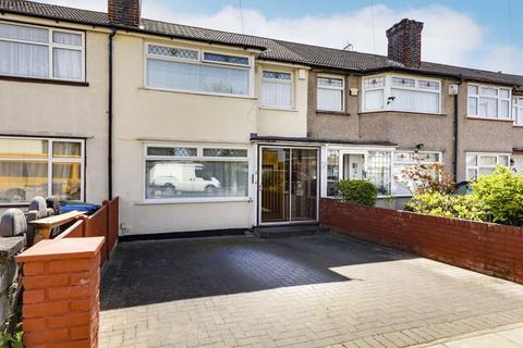 3 bedroom terraced house for sale - Cambourne Avenue, Edmonton, N9