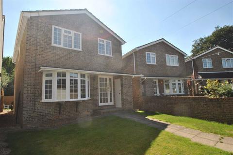 4 bedroom detached house to rent - Send Road, Caversham, Reading