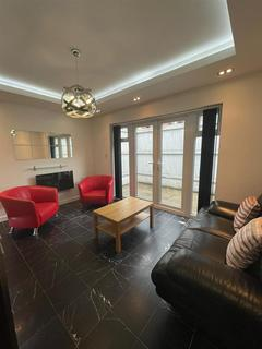 1 bedroom flat to rent - The Parade, Roath, Cardiff