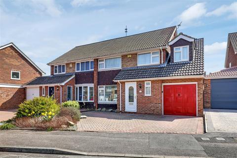 4 bedroom semi-detached house for sale - Arundel Avenue, Sittingbourne