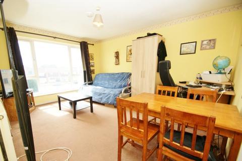 1 bedroom flat to rent - Bideford Close, Romford, RM3