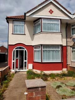4 bedroom terraced house to rent - Galliard Road, London