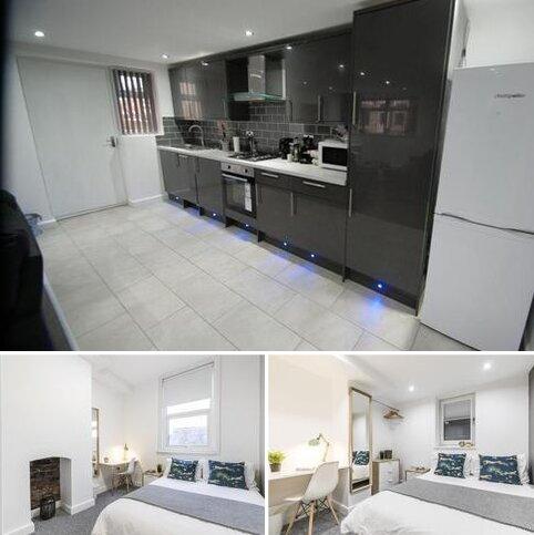 4 bedroom flat to rent - Princess Road M20