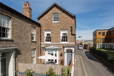 4 bedroom end of terrace house for sale - Holgate Road, York, YO24