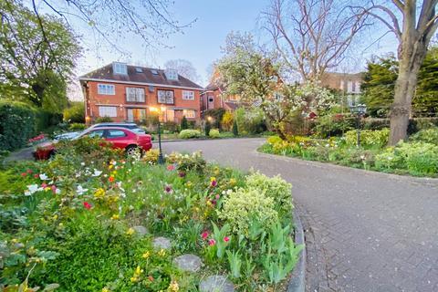 2 bedroom flat to rent - Oakmere Place, 80 Green Lane, Northwood, HA6