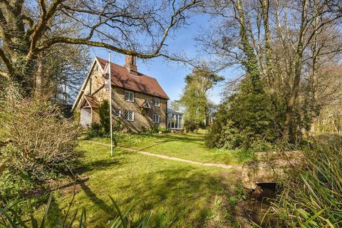 3 bedroom detached house for sale - Peaceful country lane with land, village outskirts, West Sussex, RH20