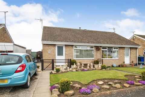 2 bedroom semi-detached house for sale - Sandringham Close, Bridlington, YO16 7EQ