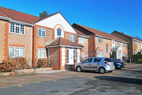 2 bedroom flat to rent - Three Bridges, Pound Hill, Crawley