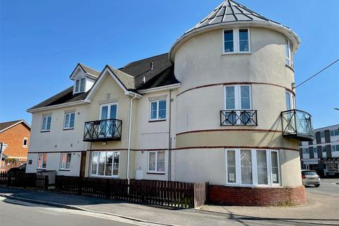 3 bedroom apartment to rent - Ringwood Road, Walkford, Christchurch