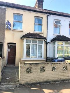3 bedroom terraced house to rent - Clarence street, Southall UB2