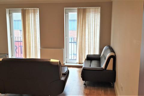 2 bedroom flat to rent - Reet Gardens, Slough SL1