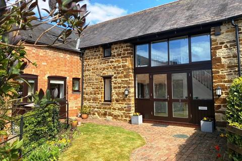 4 bedroom barn conversion for sale - Frosts Court, Wootton, Northampton NN4 6EU