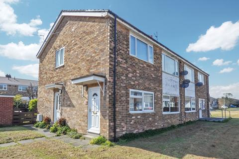 2 bedroom flat for sale - Broomlee, Ashington, Northumberland, NE63 9PA