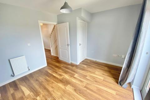 2 bedroom semi-detached house to rent - Lon Y Grug, Llandarcy, Neath