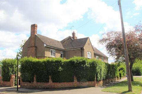 3 bedroom end of terrace house for sale - Bedfont Green Close, Bedfont