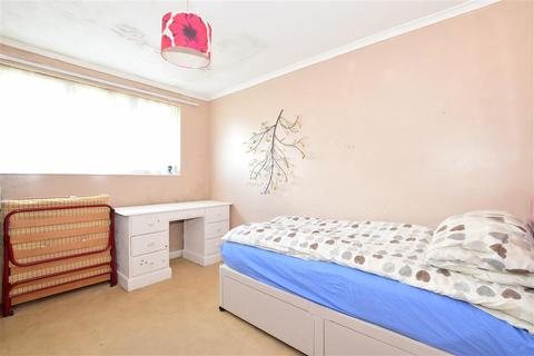 2 bedroom flat for sale - Meadow Way, Littlehampton, West Sussex