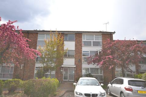 2 bedroom apartment to rent - St. Peters Close, Ilford