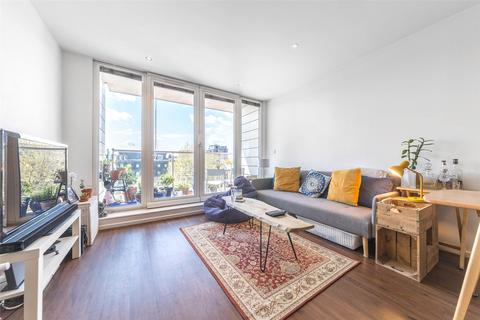 2 bedroom apartment for sale - The Oxygen, 18 Western Gateway, London, E16