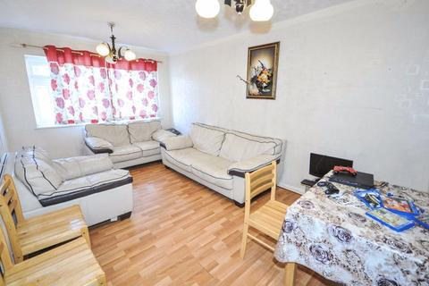 2 bedroom duplex for sale - Longford Avenue, Southall