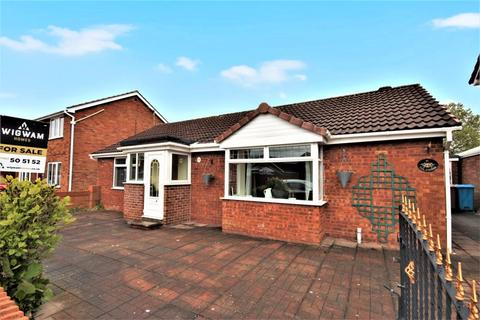 3 bedroom detached bungalow for sale - Beech Avenue, Hull, HU12