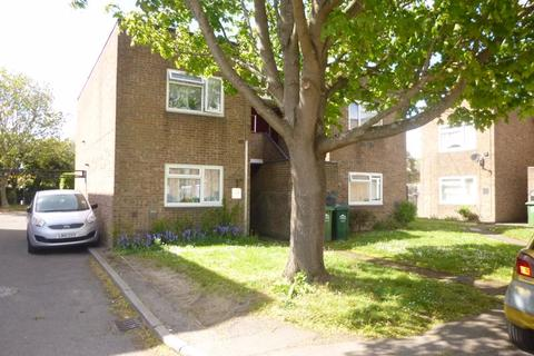 1 bedroom flat to rent - Whitley Close, Stanwell