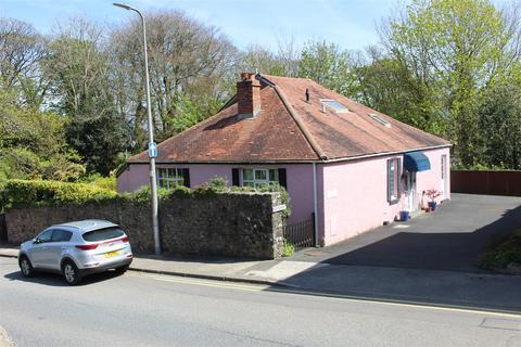 3 bedroom detached bungalow for sale - Woodlands, Barn Street, Haverfordwest