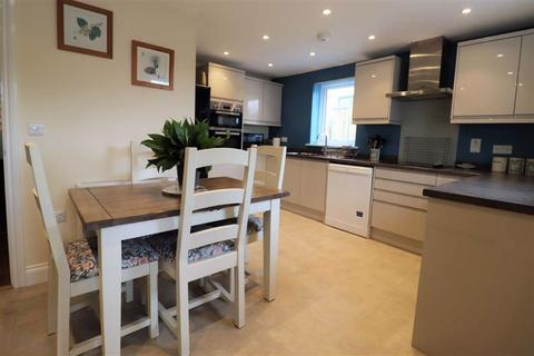 2 bedroom bungalow for sale - Francis Road, Borth, Ceredigion, SY24