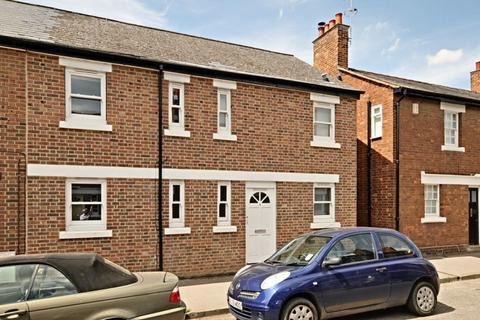 2 bedroom flat to rent - Hayfield Road
