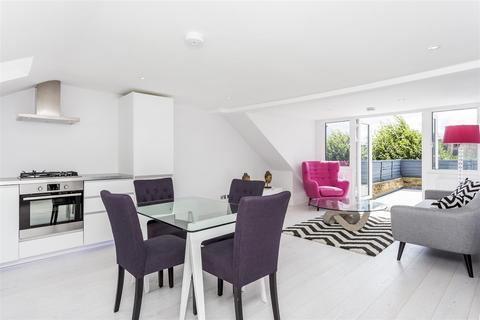 3 bedroom flat for sale - Cromwell Grove, London W6