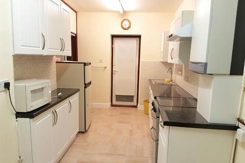 3 bedroom semi-detached house to rent - Milford Road, Southall, Middlesex