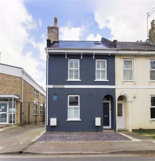 4 bedroom end of terrace house for sale - Wellington Street, Cheltenham, Gloucestershire